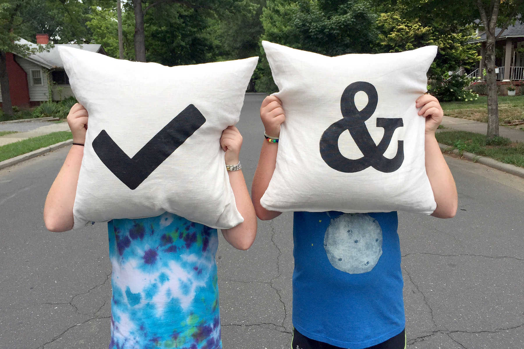 Laurie Smithwick - Handcrafted pillows